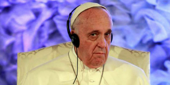 Pope-Francis-Wearing-Headphones-900