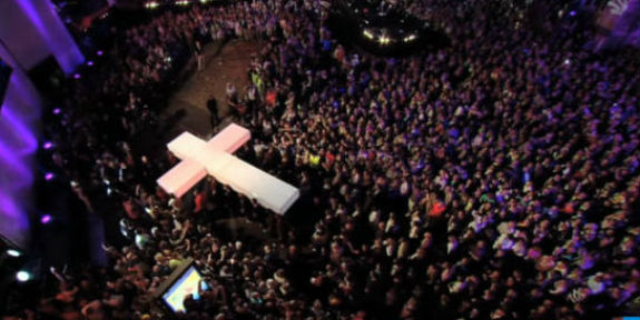 Cross-procession-The-Passion-Fox