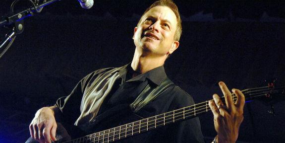 Gary_Sinise_guitar-ffblog