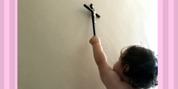 Baby-crucifix